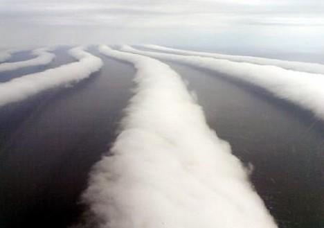 http://jshurwitz.files.wordpress.com/2009/10/cloud_streets1.jpg